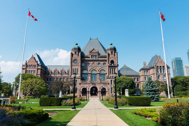 Do i need to write essays if applying to Canadian universities?