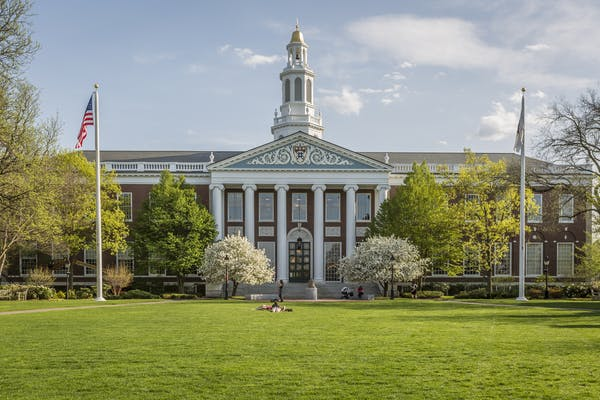 10 Best American Colleges for Undergraduate Studies in 2018