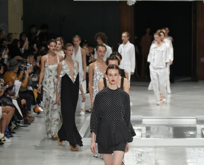 Why Study For A Fashion Degree In Paris In 2020 Mastersportal Com